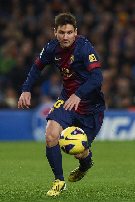 Lionel-Messi-Ballon-d-Or-2012_portrait_w674